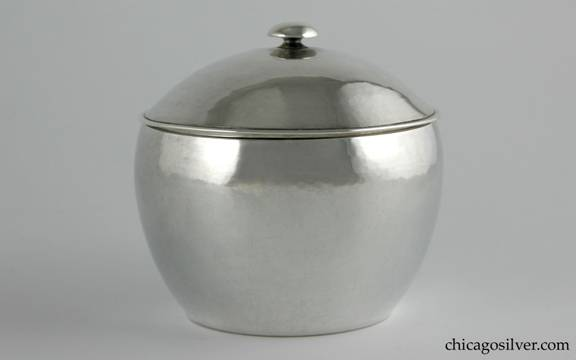 Kalo box, round, covered, with domed lid and small mushroom shaped finial.