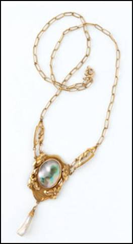 Kalo gold pendant on chain