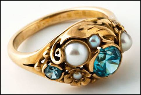 Edward Oakes gold ring with pearls and blue zircons