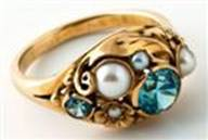 Oakes gold ring with pearls and blue zircons