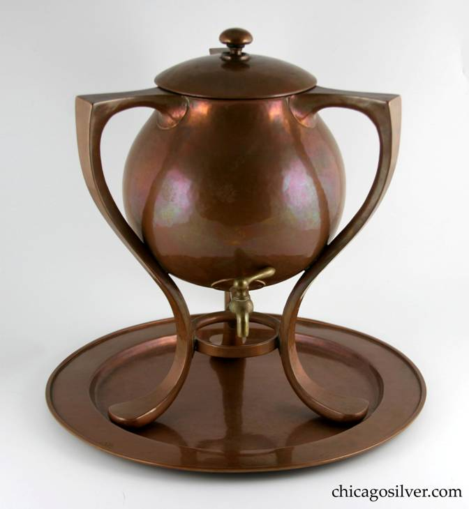 Kalo samovar / urn, massive, copper with brass fittings, and matching tray.