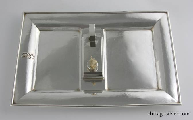 Kalo tray, smokers, rectangular with matching removable lighter (2 pieces).